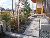 焼津市 A様邸 和風庭園 玄関からのアプローチ工事 施工写真3