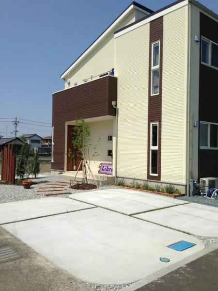 美容室 L様邸 優しい曲線駐車場 施工写真1
